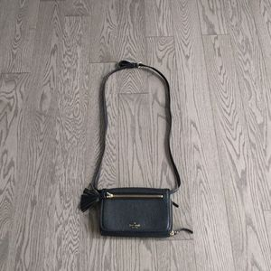 Kate Spade genuine leather crossbody bag🍀